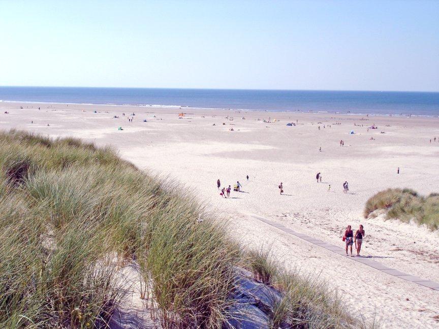 Strandovergang bij Hoorn